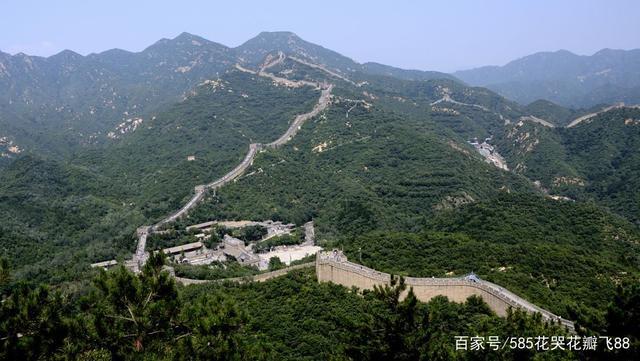 北京八达岭长城,一个人从哪来、到哪去!