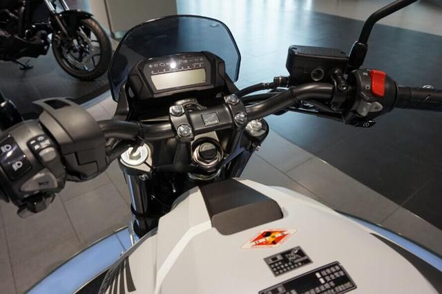本田一手好牌!745cc雙缸+40.3kw功率,開70過彎照樣穩,9.8萬值嗎