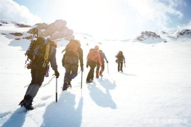 冬雪要去山上看?那如何挑選登山鞋作伴?