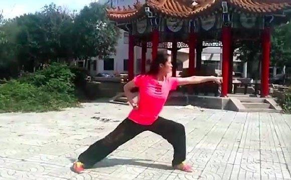 """霍元甲玄孙女全运会夺冠 苦练""""迷踪拳"""""""