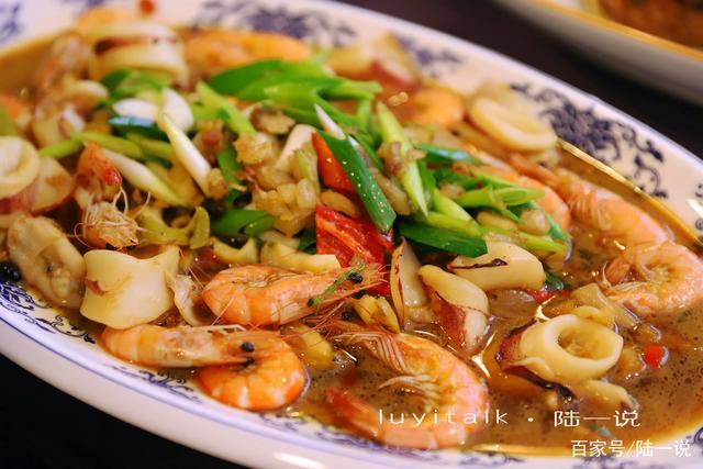 厦门人吃台湾菜,一定要去找春娇,红砖车站,蚵仔三鲜,怀旧经典
