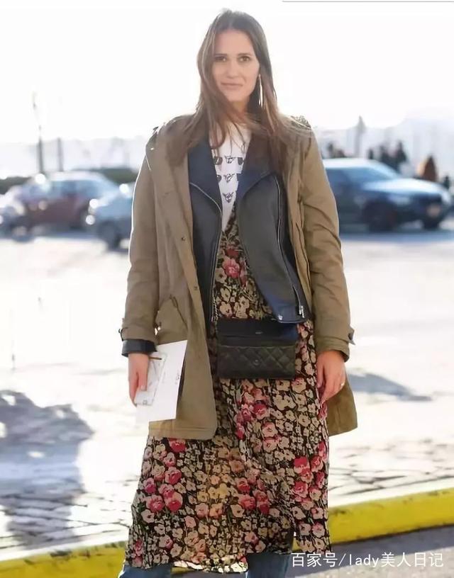 今年這種穿搭太流行瞭!牛仔外套+大衣,保暖前衛還霸氣