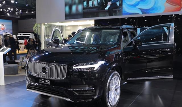 中国首秀!沃尔沃新型进口车驶来了 | 进口博览会一分钟?