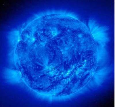 太阳是什么颜色的?科学家解释太阳其实是蓝色