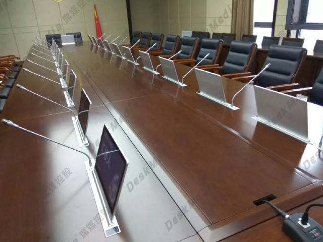 太原市人民检察院-16.5寸超薄液晶触控升降一体机