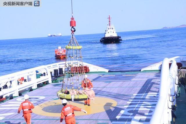 长江口货船失火原因是什么 失火货船现场一览