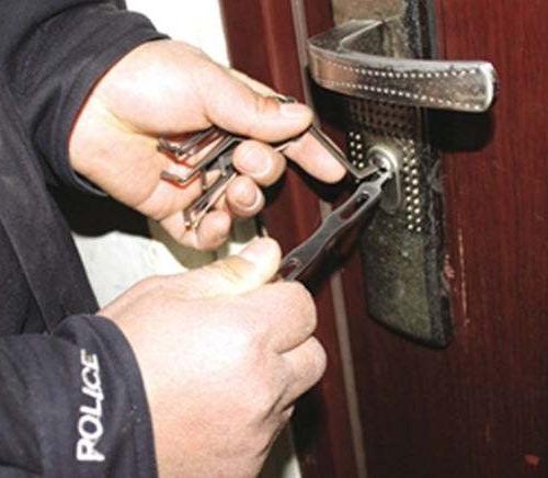 怎样挑选防盗门锁 防盗门开锁技巧(图3)