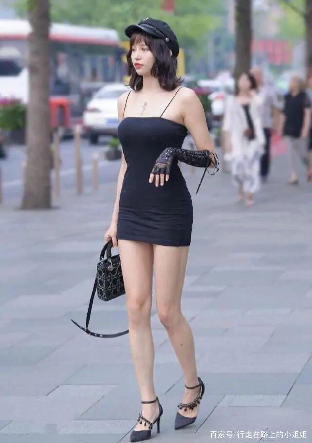 """真有""""品位""""的女人,往往夏天就這樣穿著,再低調也擋不住魅力!"""