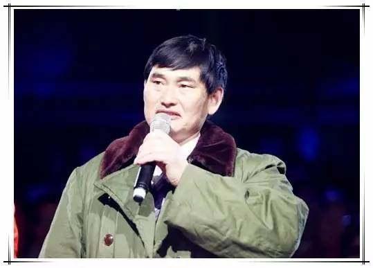大衣哥深夜发文称有偷税行为、退出娱乐圈,喝醉了还是被盗号?
