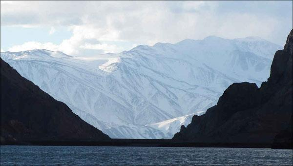 在炎炎夏日里体验全球最棒的12座冰川