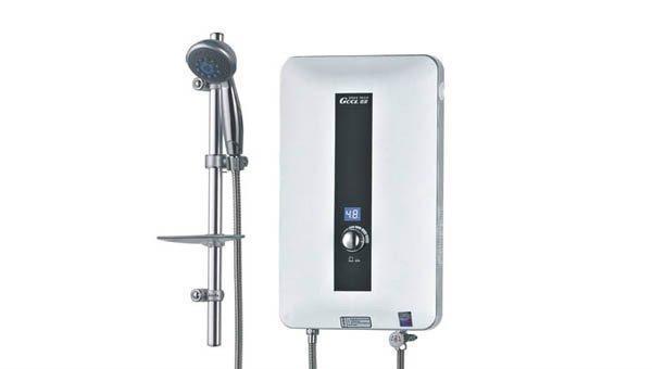 电热水器?燃气热水器?太阳能热水器?到底哪种热水器更好?-智恩太阳能控制柜