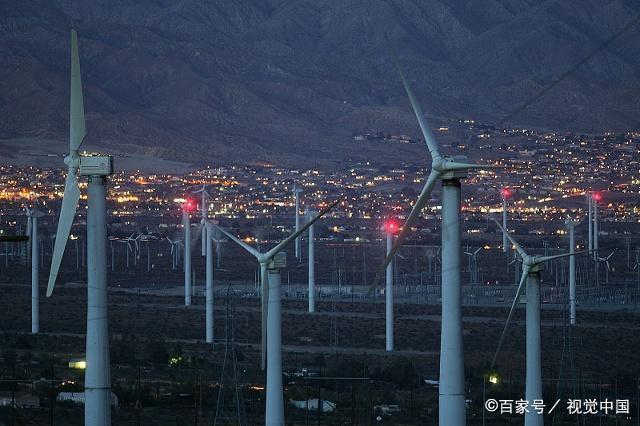 为什么中国主导太阳能产业-智恩太阳能控制柜